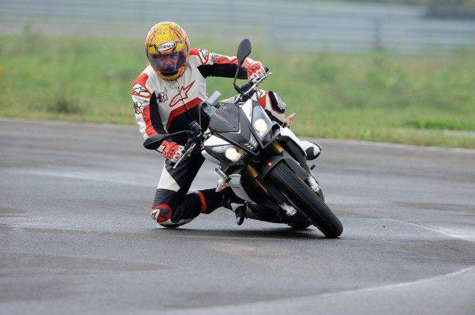 2014_Aprilia_Tuono_V4R_ABS_launch_Tor_1